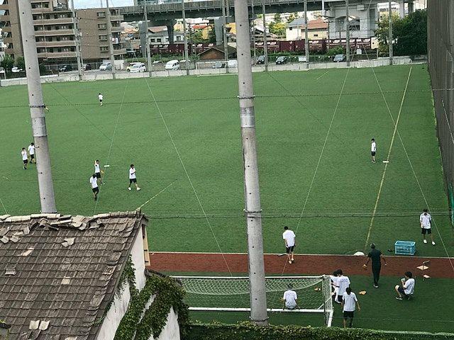 商大附属の野球・サッカーグラウンド風景