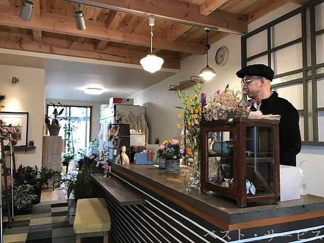 フルールアントワーフ店内,生花,フラワーアレンジメント,観葉植物,贈答切り花,ブーケなど