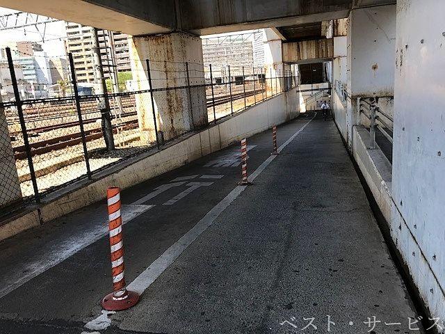 万町地下道,岡山市北区奉還町1丁目と岩田町の間の地下道,よろずちょう地下道