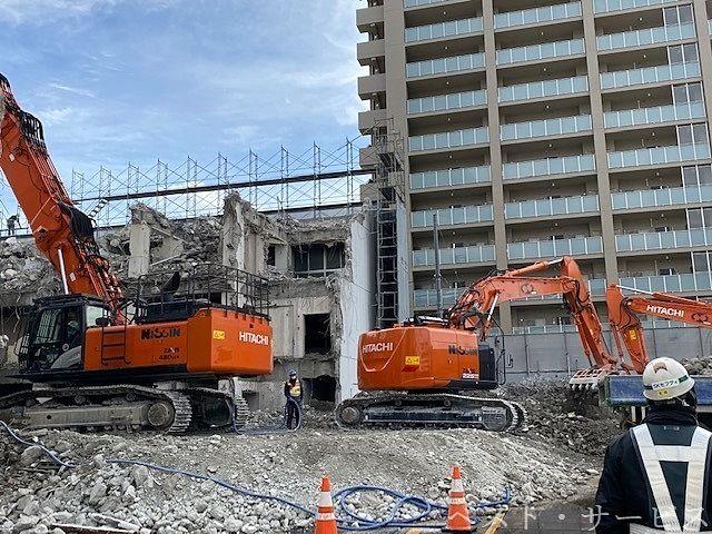 病院の解体現場,奉還町中央病院の解体,大きな建物の解体は半年から10ヶ月ぐらいかかる