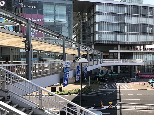 左手:岡山シティミュージアム/右手:ANAクラウンプラザホテル