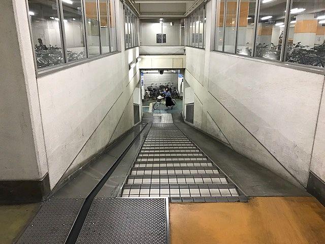 岡山駅西口地下駐輪場は地下2階まで大容量
