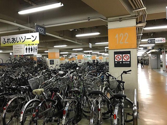岡山駅西口地下駐輪場 地下1階