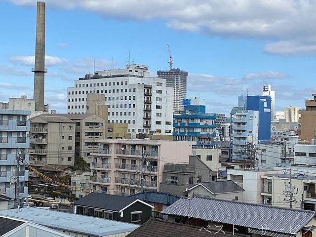 岡山大学附属病院、岡町からもタワーマンションが見える
