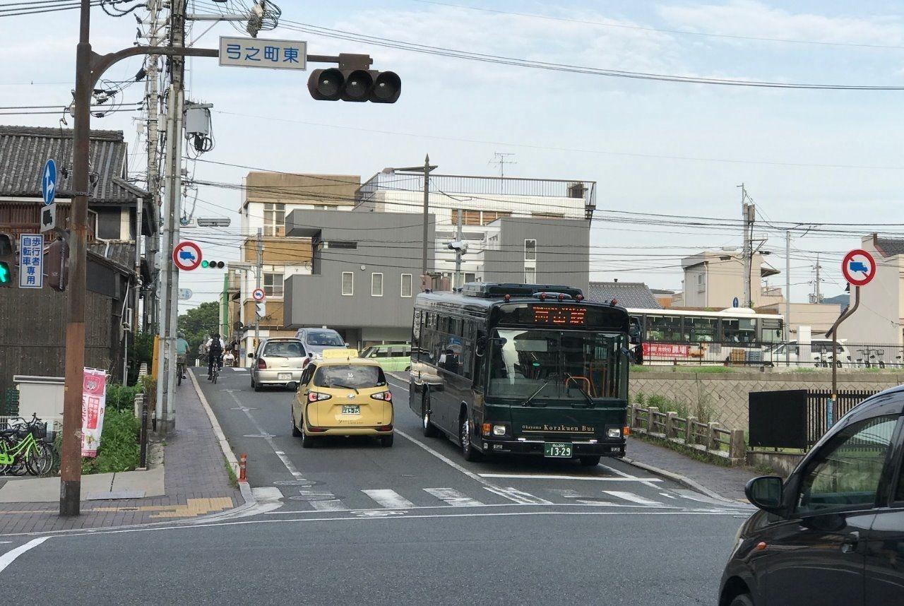 名勝 後楽園と岡山駅直通バス(岡電バス)