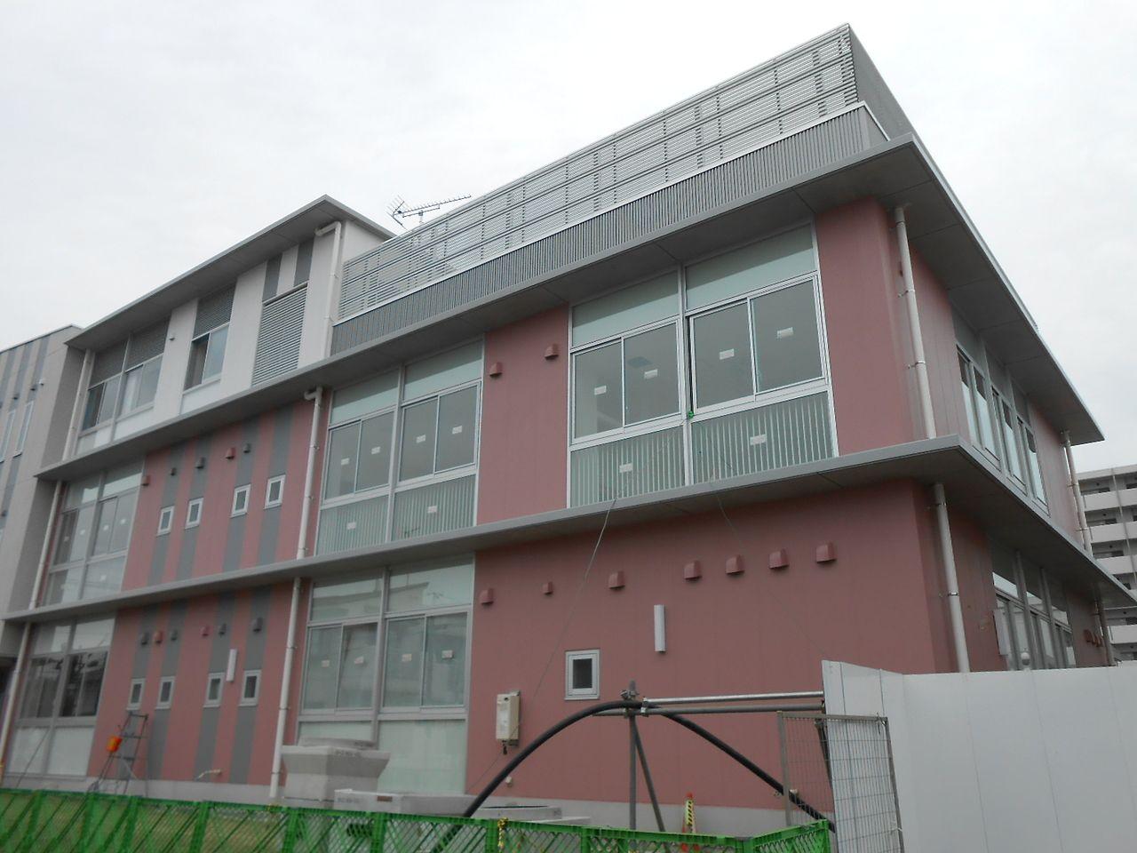 ④認定子ども園/岡山市立伊島幼稚園・保育園 園舎完成に近づく