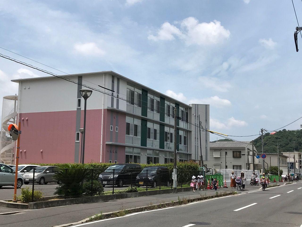 ⑤認定伊島子ども園の外観はほぼ完成