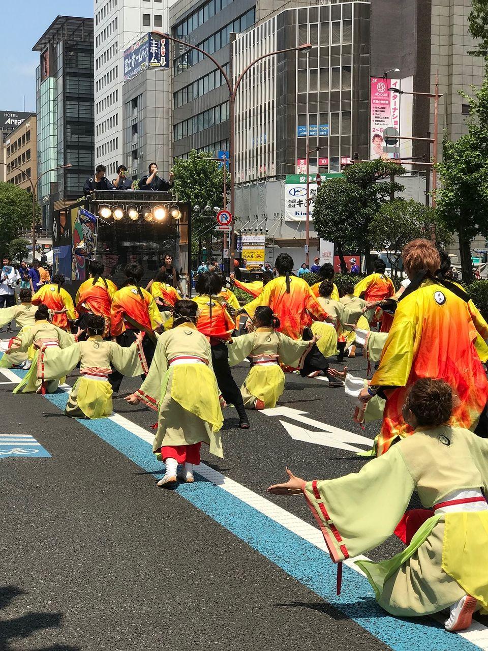 市役所筋で行われたパレード