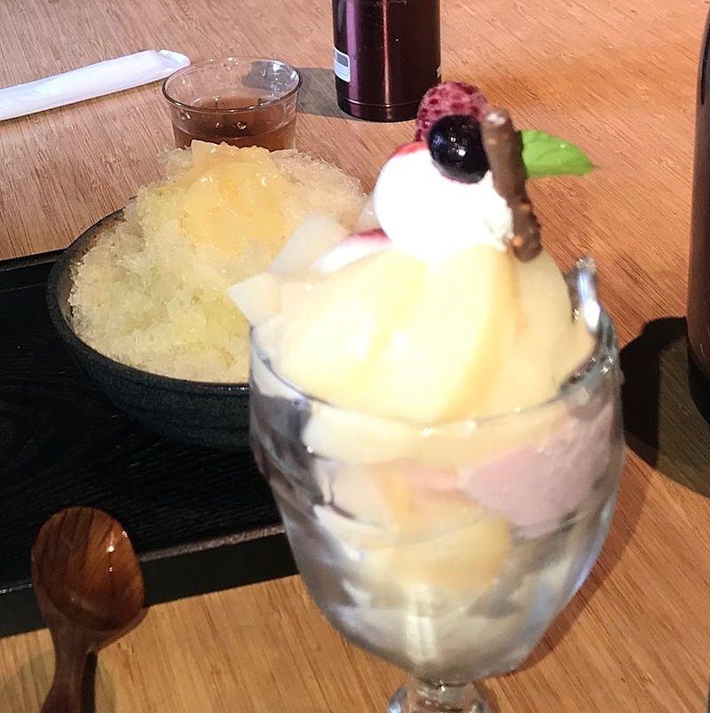 岡山のフルーツを使ったパフェ かき氷