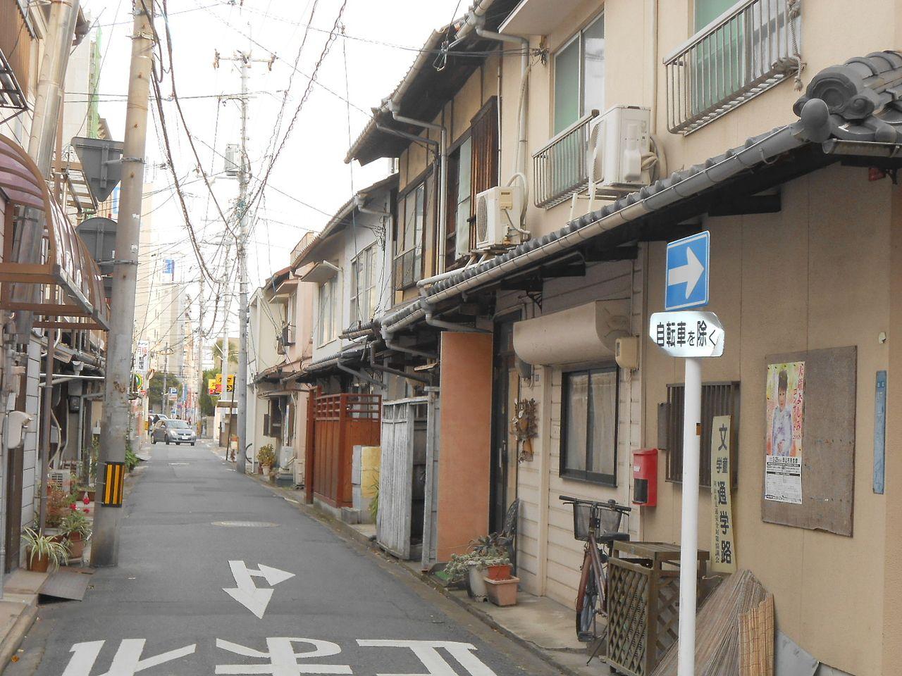セブンイレブン岡山駅西口店を左折(西・寿町方面へ)