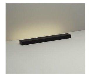 ソファの下やベッドの隙間などに