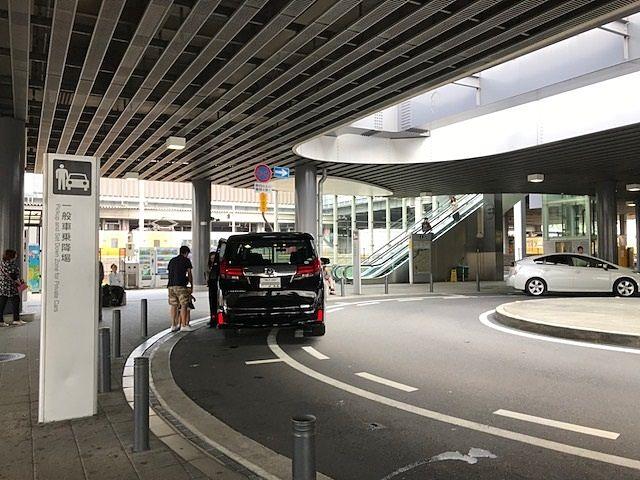 ロータリーになっています/この奥(画像右手)が駐車場です