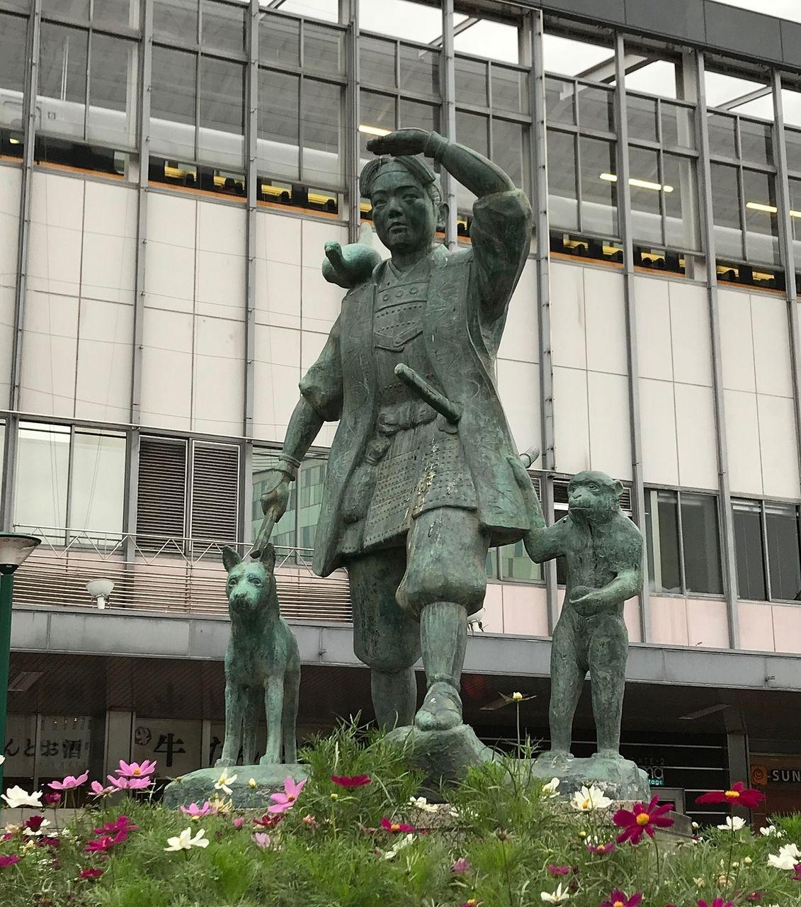 岡山駅前広場(東口)