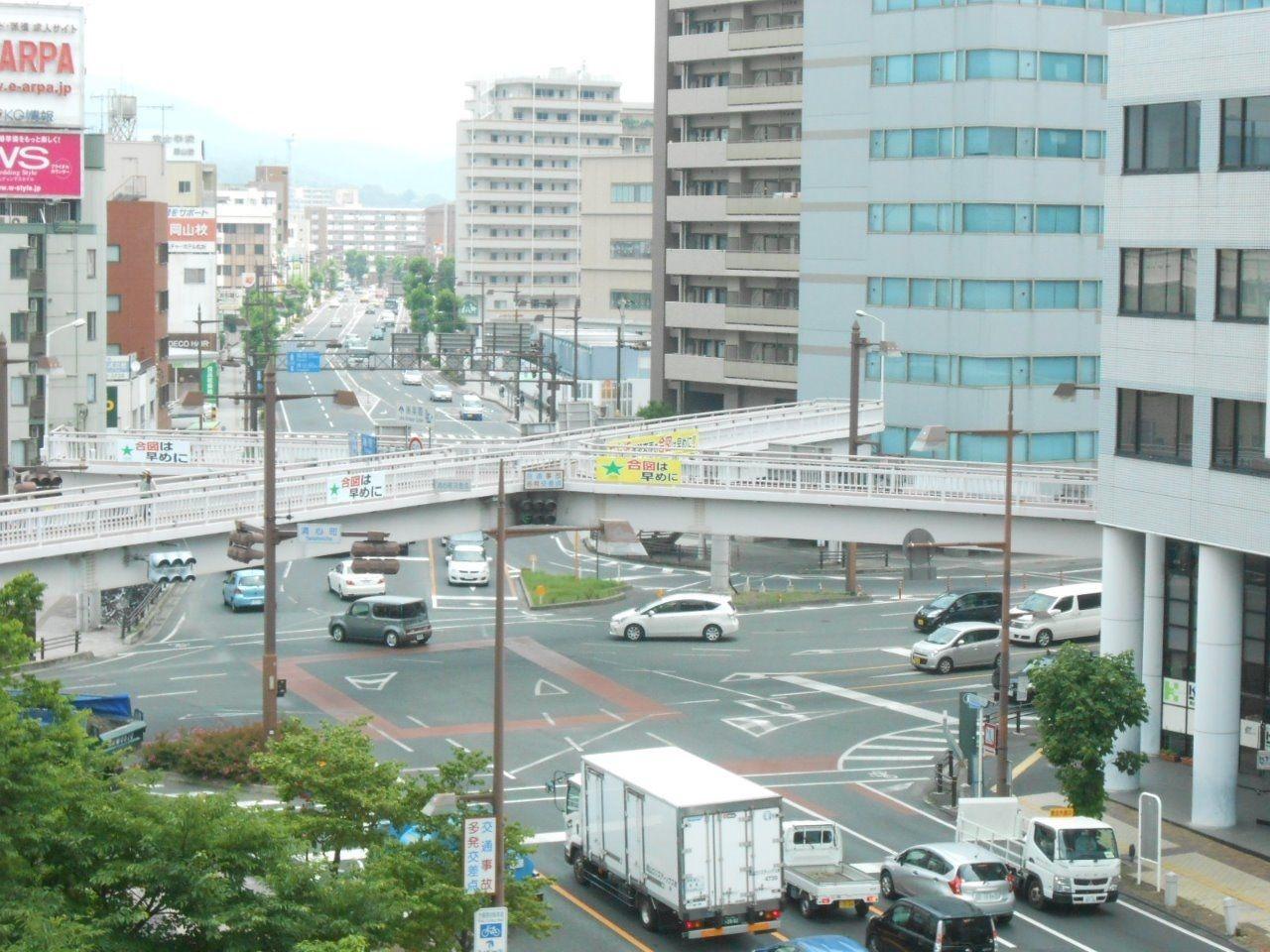 岡山駅西口から国体町方面を見る(清心町交差点から国道53号線)