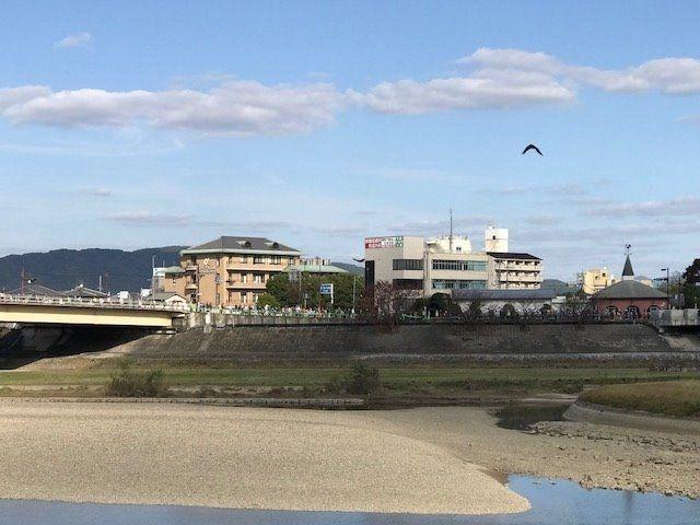 竹久夢二強度美術館(レンガ色のとんがり屋根)