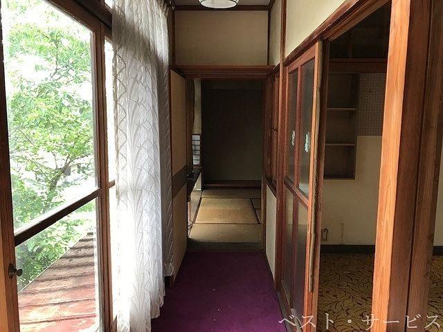 2階 子供部屋は廊下でつながっています