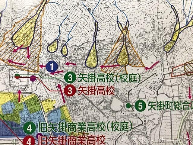 倉庫は、③矢掛高校東260mです。建物も校庭も避難所に指定されているところです。