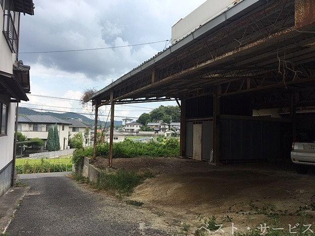 1階:倉庫、駐車場